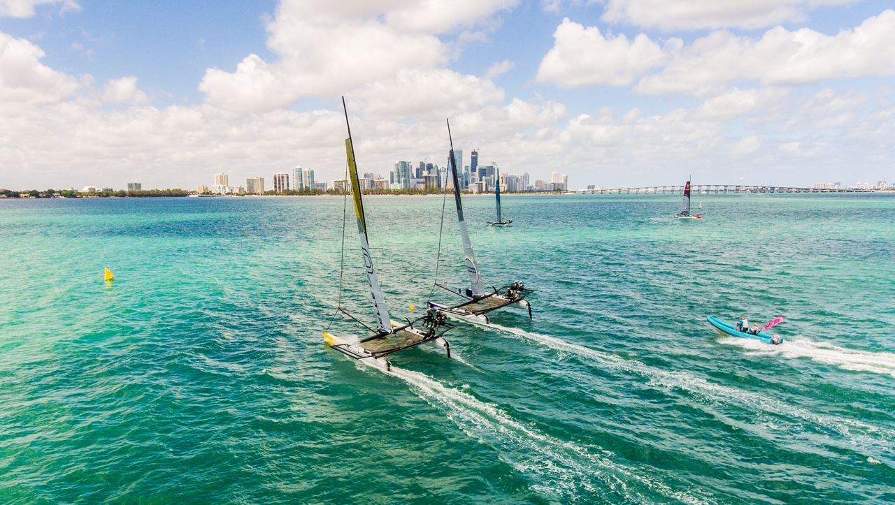 Hot racing on Biscayne Bay